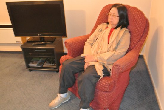 Birchwood Manor Motel: Nice-rocking chair