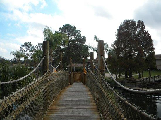Liki Tiki Village: on the bridge 