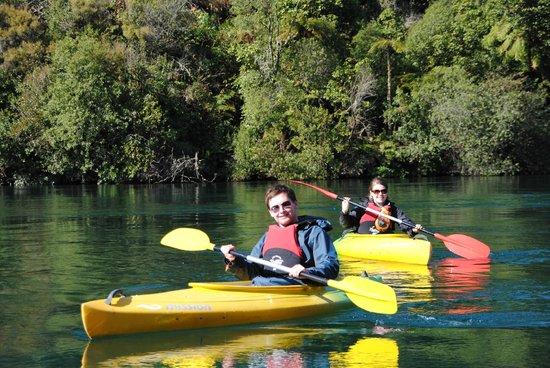 Canoe & Kayak Taupo Tours: Waikato River Tour
