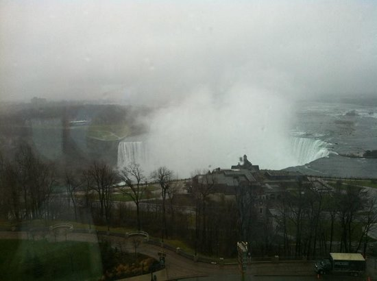 Oakes Hotel Overlooking the Falls: View from fallsview room