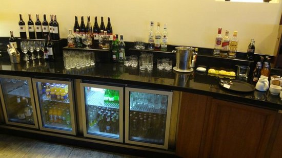 Hilton Istanbul Bosphorus: Free Alcohol in the Club Lounge