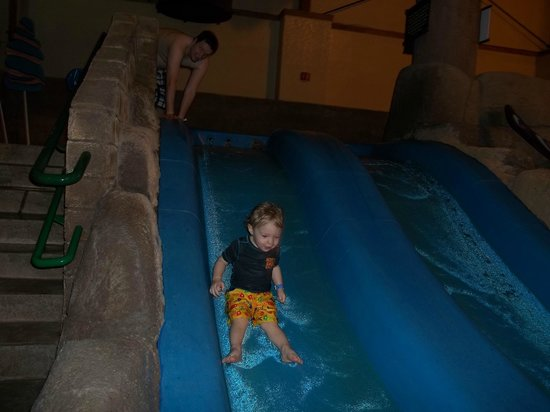 Great Wolf Lodge: Little kid's slide
