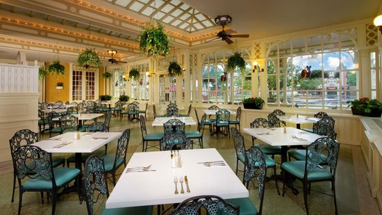 Good A Pleasant Dinner Tony S Town Square Restaurant Orlando Traveller Reviews Tripadvisor