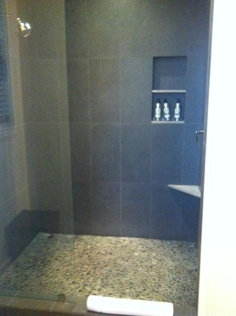 Solage, an Auberge Resort: Great Shower Space