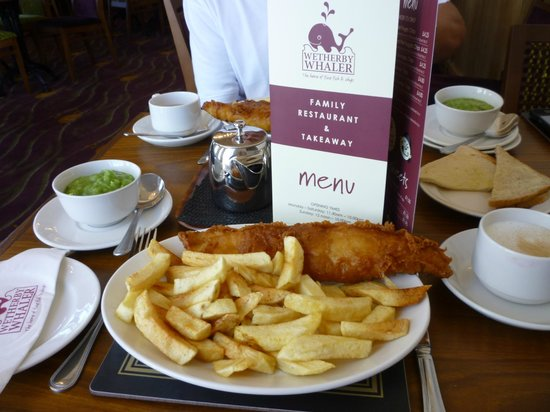 Guiseley, UK: good hot food and this is pensioners portion... 