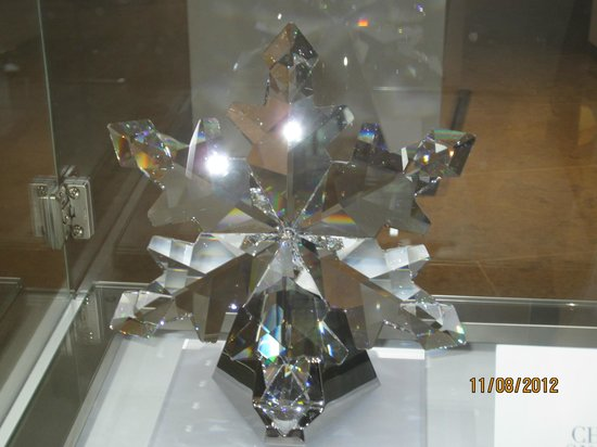 Sparkling Hill Resort: One of many crystal items in lobby's gift shoppe