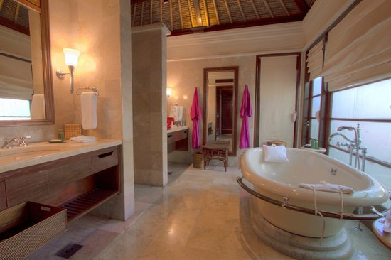 Four Seasons Resort Bali at Jimbaran Bay: Bathroom