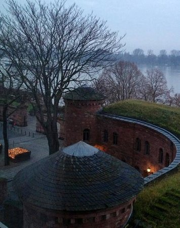 Hyatt Regency Mainz: sunrise over Rhine~