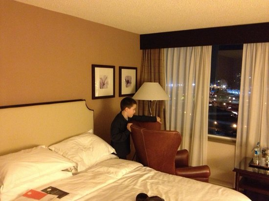 Sheraton Vancouver Guildford Hotel: Room