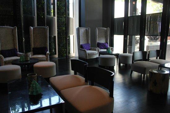 L Hotel Seminyak: Lobby