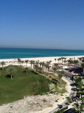 The St. Regis Saadiyat Island Resort: golf course and beach