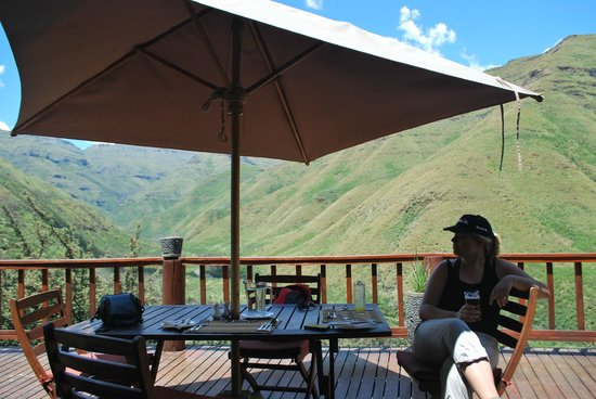 Maliba Mountain Lodge: Beer on the deck