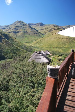Maliba Mountain Lodge: View of the mountains from main deck