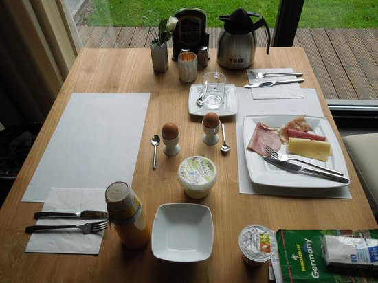 Villa-commandeur: Breakfast - Villa Commandeur - Mechelen - May 8
