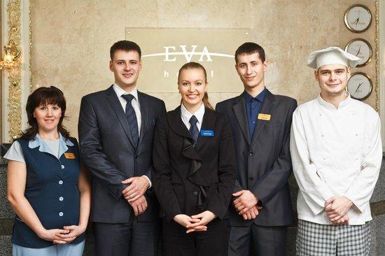 Eva: Staff