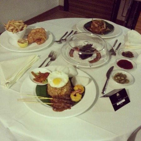 Ramada Plaza Dua Sentral Kuala Lumpur: Room service.