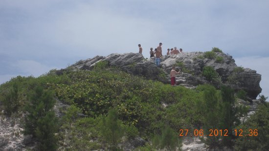 Horseshoe Bay Beach: Climb the hillock