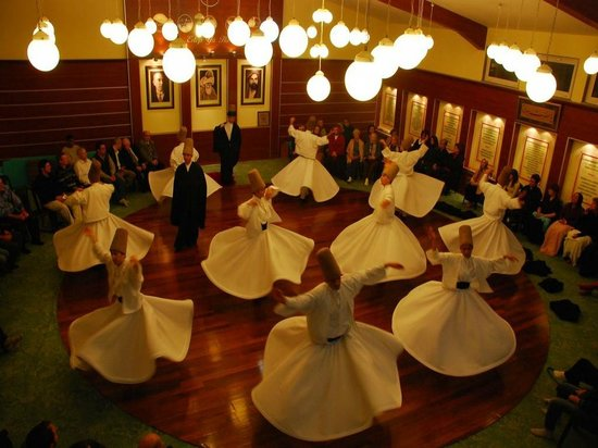 ‪Whirling Dervish Ceremony in Fatih‬