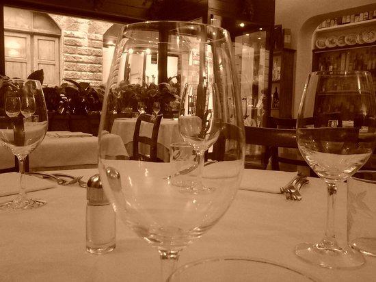 L'Osteria di Giovanni: The main dining room