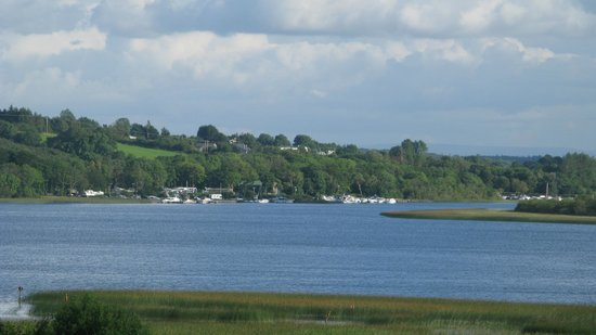 Glasson Country House Hotel & Golf Club: View over Lough