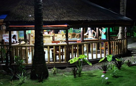 Bamboo Garden Bar and Lodging: Bambo bar