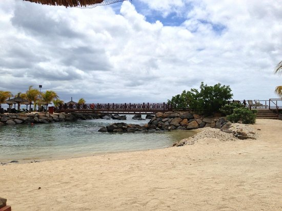 InterContinental Mauritius Resort Balaclava Fort: The island bridge