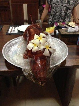 Villa Besar: suckling pig dinner
