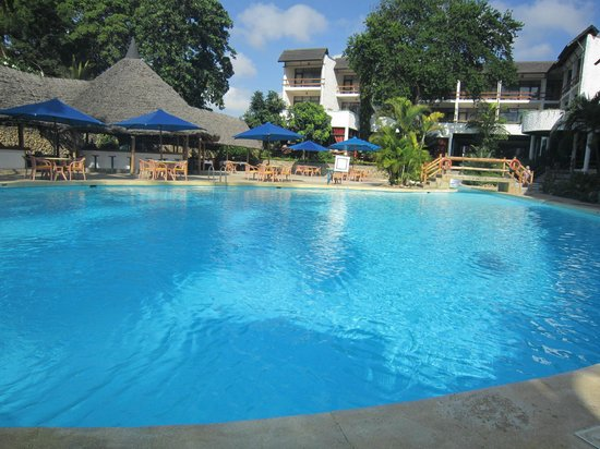 Travellers Beach Hotel & Club: Lovely pool