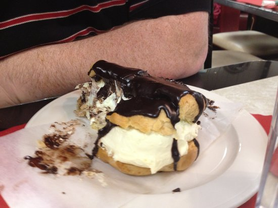 Plaza Diner: Mt Everest of Eclairs