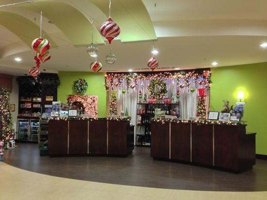 Fairfield Inn & Suites Elkin / Jonesville: check in desk during holidays