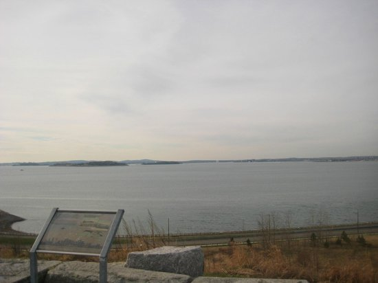 Deer Island HarborWalk: Harbor entrance