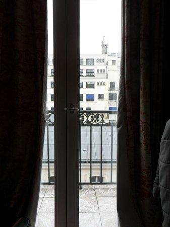 Hotel Marignan: Window