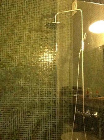 Var Gard Saltsjobaden: Shower
