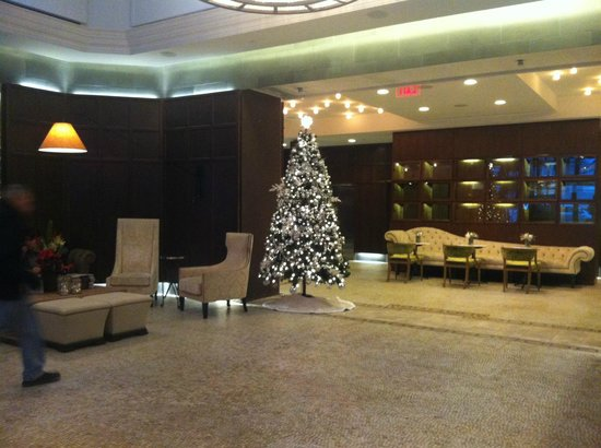 Hotel Belleclaire: The beautiful hotel lobby, taken 14/12/2012