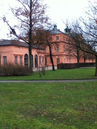 Rastatt Castle (Schloss) :                                     Seitenansicht Schloss Rastatt