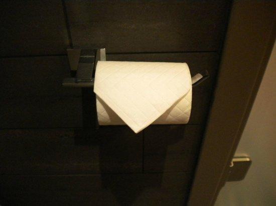 Pullman London St Pancras Hotel: Belle présentation du papier toilettes