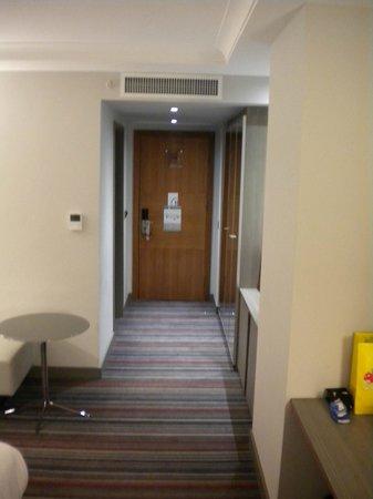 Pullman London St Pancras: Couloir de la chambre