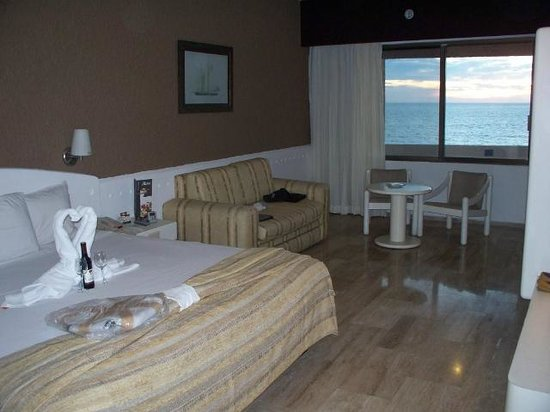 El Cid Castilla Beach Hotel: Our very spacious room overlooking the beach, awesome sunsets!