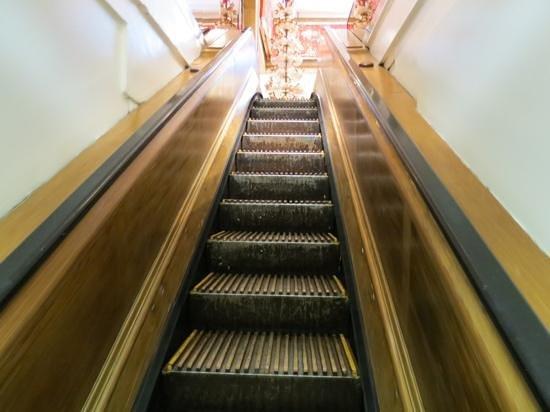 Macy's Herald Square: escalier mobile en bois