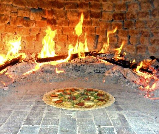 Pizzeria Traudi, Kota Bharu: Wood fire
