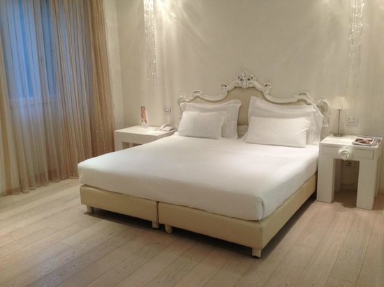 Boscolo Exedra Nice, Autograph Collection: Boscolo bedroom bed