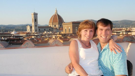 Torre Guelfa Hotel: The view of the Duomo from the tower bar taken by a friendly guest