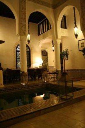 Riad Dar Saad: Salle à Manger de Nuit 3