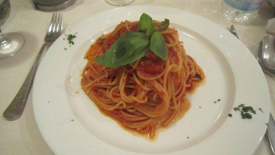 Ristorante Ai Leoncini San Marco: Fantastic spaghetti con pommodoro e bassilico