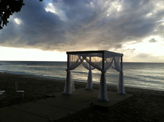 Sandy Lane Hotel: Beach Wedding