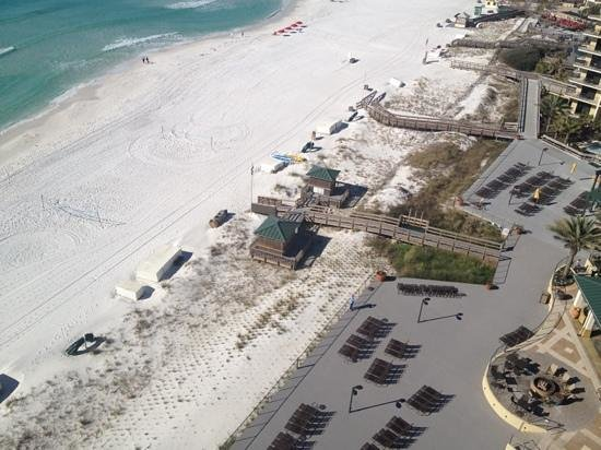 Hilton Sandestin Beach, Golf Resort & Spa: Ariel view-beach wedding option