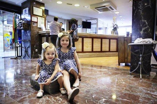 Hotel San Cristobal: Hall Recepción