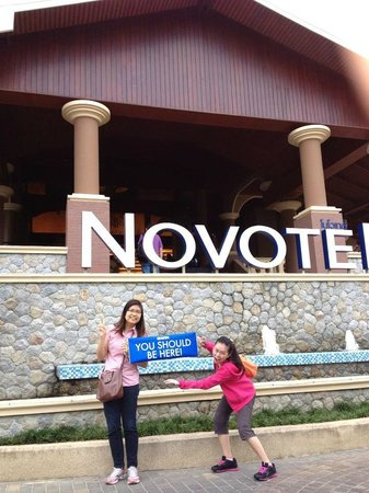 Novotel Phuket Vintage Park: Hotel Entrance