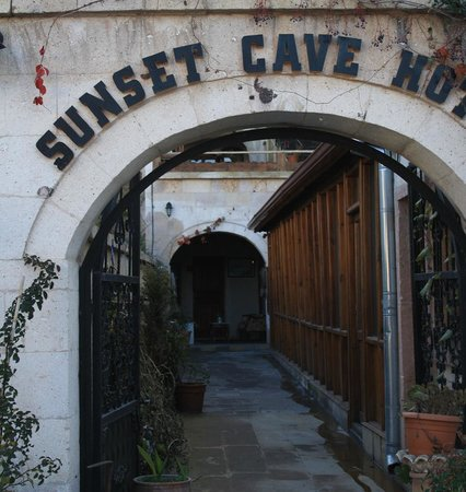 Sunset Cave Hotel: View of the hotel entrance