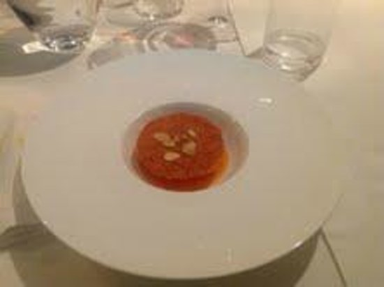 Taverna Estia: Parfait di liquirizia, salsa di zucca alla vaniglia e croccante di mandorle